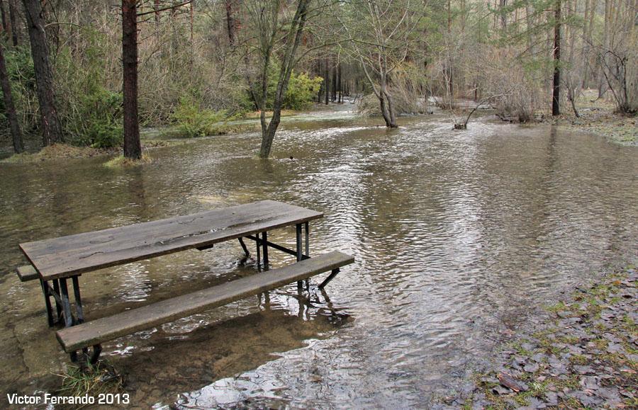 Nacimiento del Rio Cuervo - Cuenca - Merendero Inundado