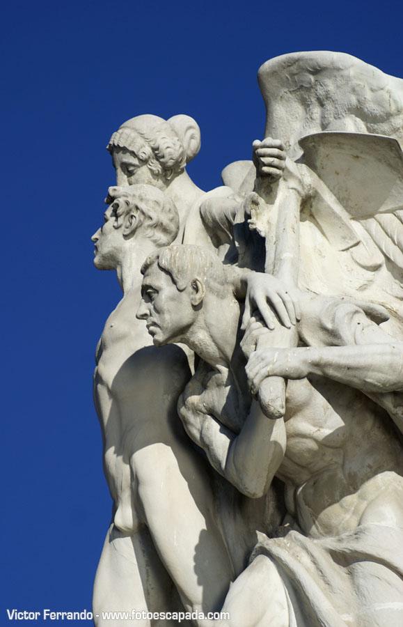 Monumento a Alfonso XII del Retiro Madrid