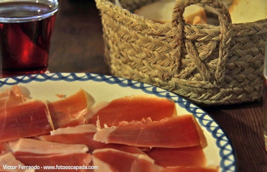 Comiendo en la Alpujarra