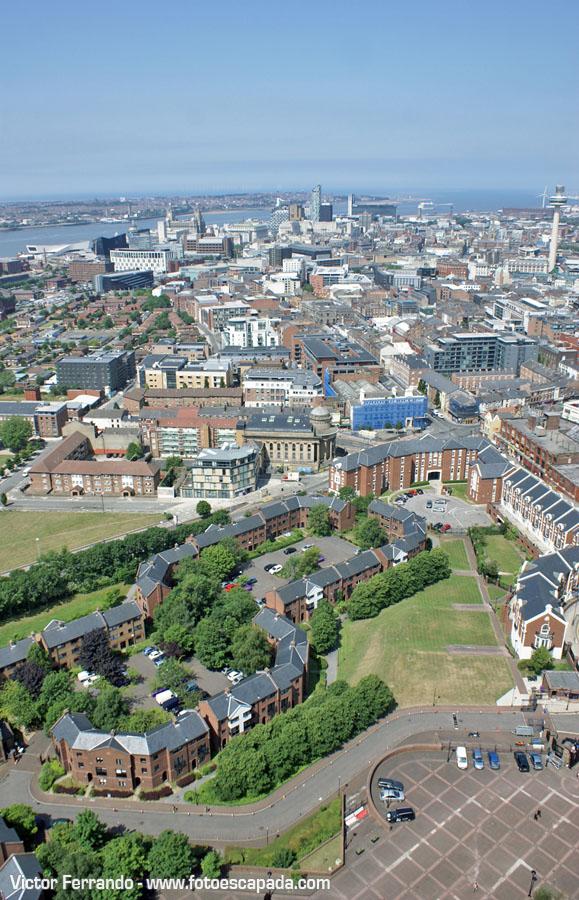 Vistas desde la Torre de la Catedral Anglicana de Liverpool