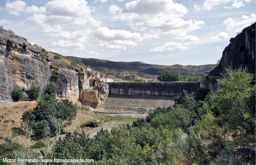 Ruta de senderismo desde el Pontón de la Oliva hasta Presa de Navarejos Madrid