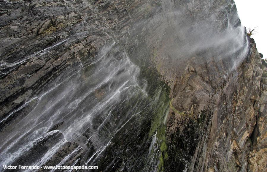 Ruta al nacimiento del Río Asón