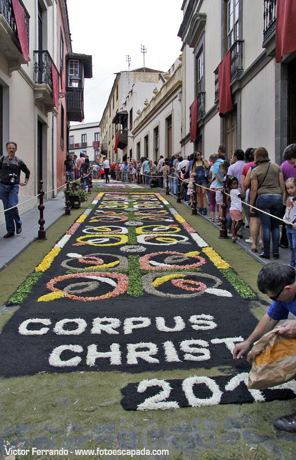 La romer a de san isidro y el corpus en la orotava for El paraiso de las alfombras
