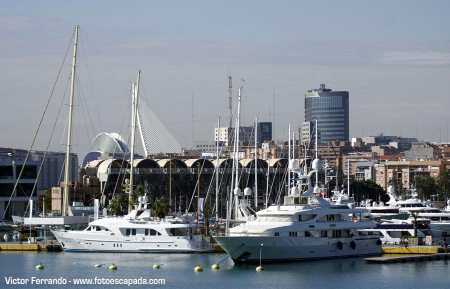 Motivos para visitar Valencia: Pasear por el Puerto de Valencia