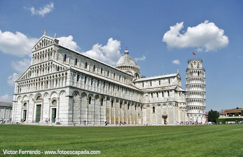 Edificios de la Plaza de los Milagros en Pisa