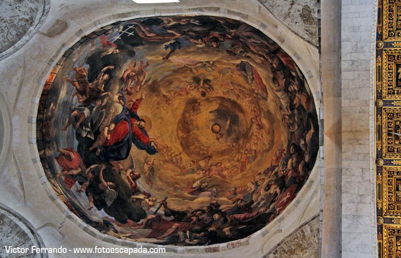 Interior de la Catedral de Pisa 18