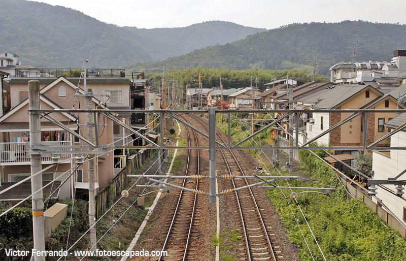 Vias del Tren Romantico de Arashiyama