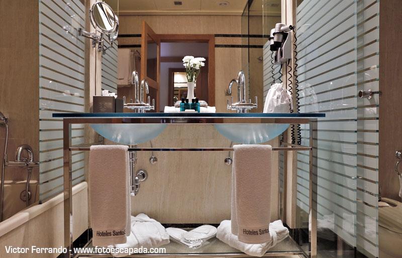 Baño del Hotel Las Arenas Valencia