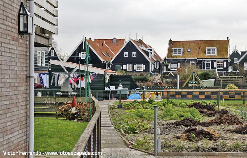 Un paseo por Marken y sus casitas de madera y piedra