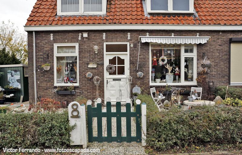 Es habitual encontrar casas decoradas así en Waterland