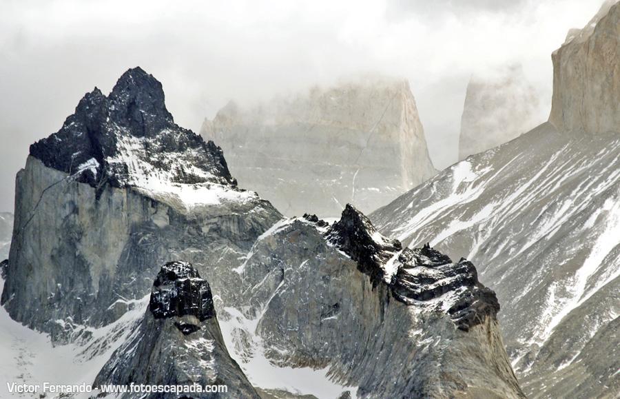 Nubes cubriendo las Torres del Paine