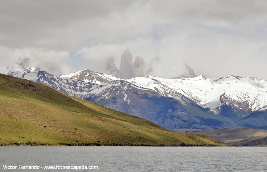 Torres del Paine desde el Lago Azul